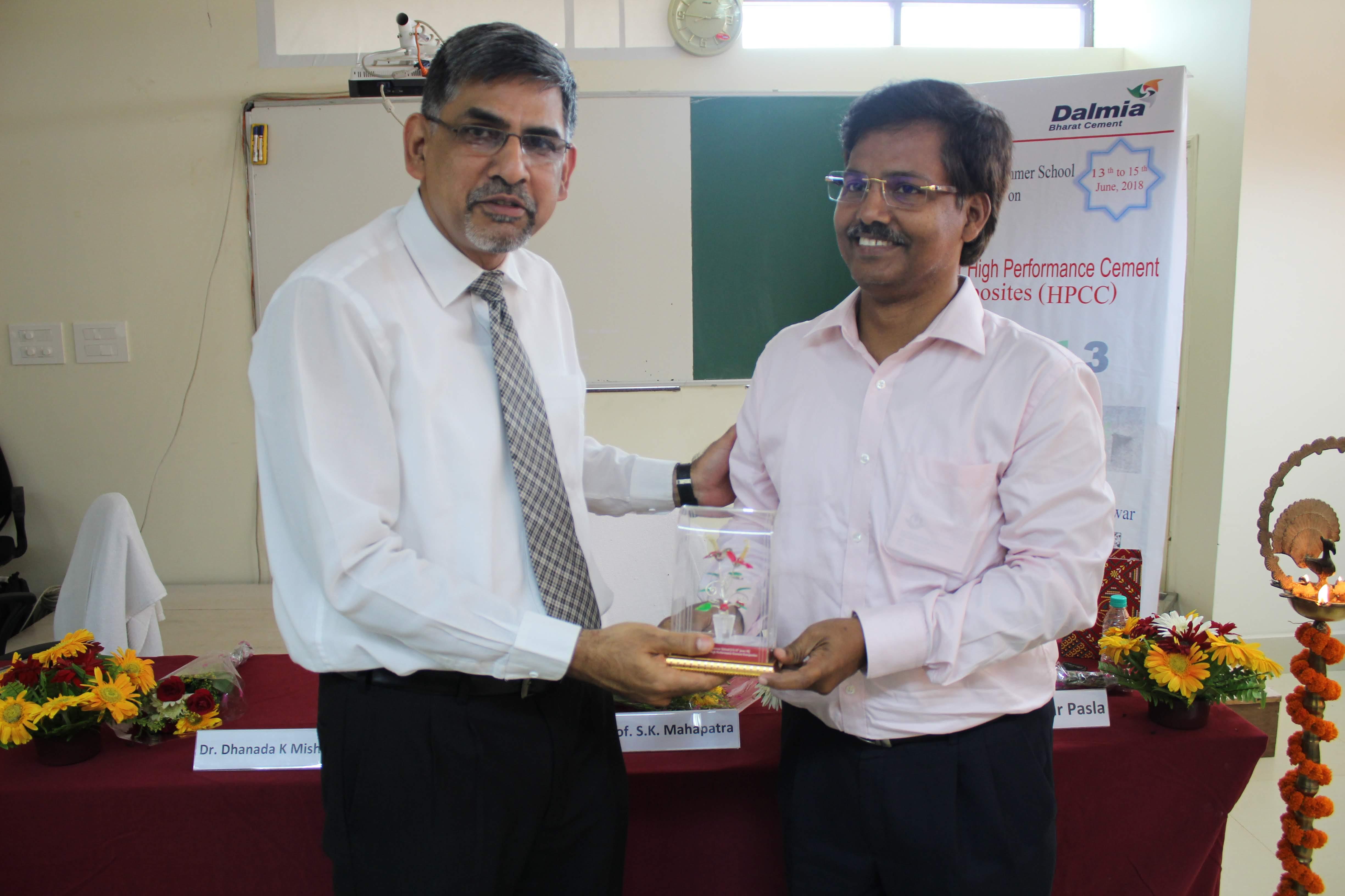 Indian Institute of Technology Bhubaneswar :: News - First summer