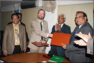 MoU with University of Texas